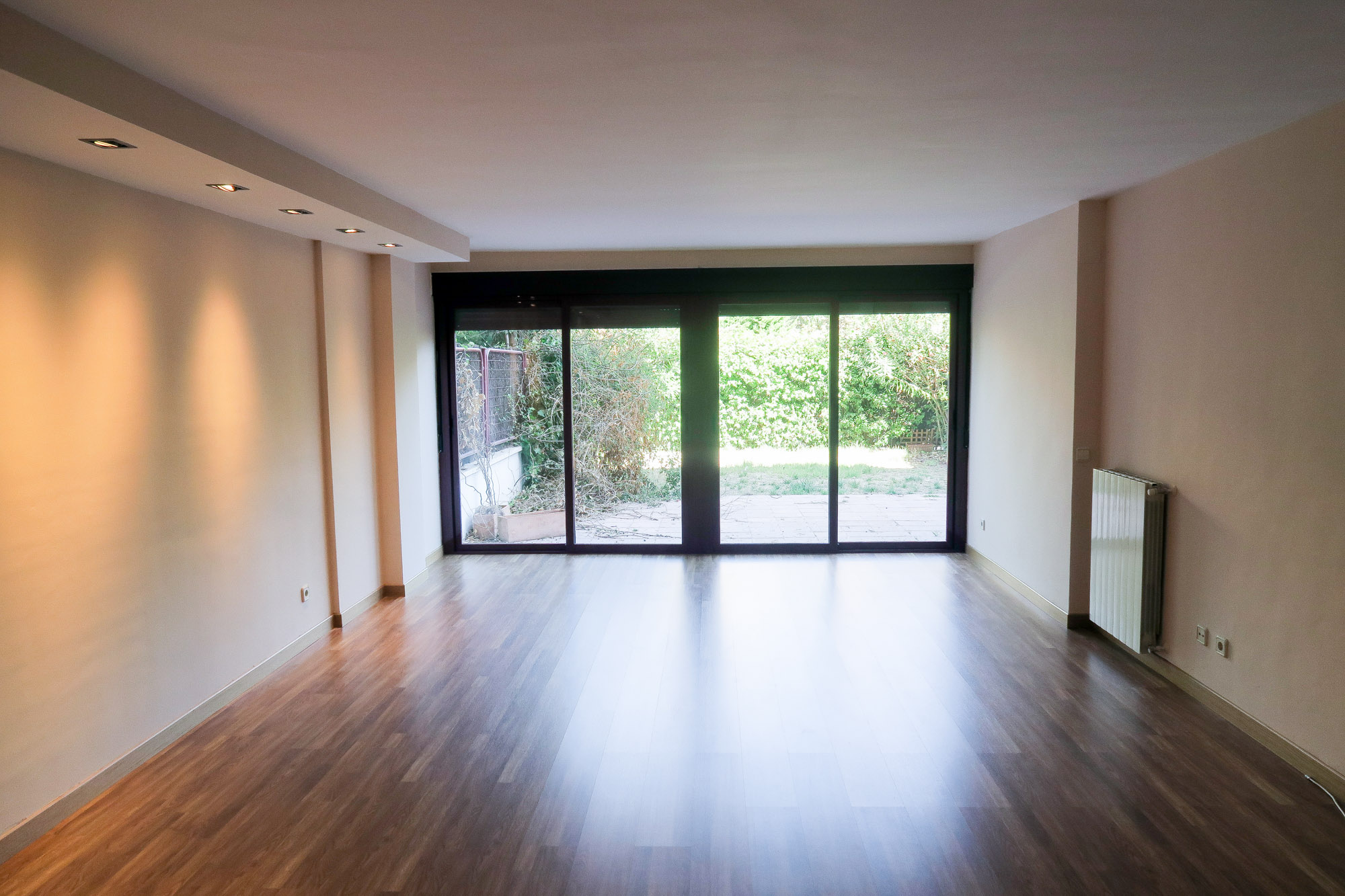 180m² Apartment for Rent in El Encinar De Los Reyes, Madrid
