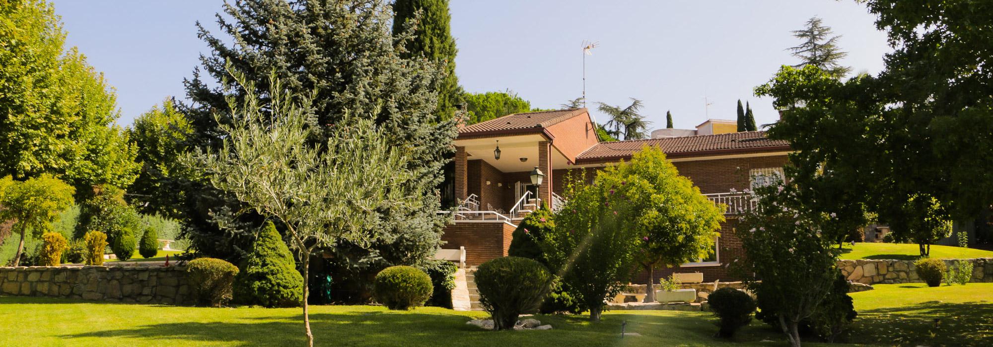 450m² Villa for Sale in Fuente Del Fresno, Madrid