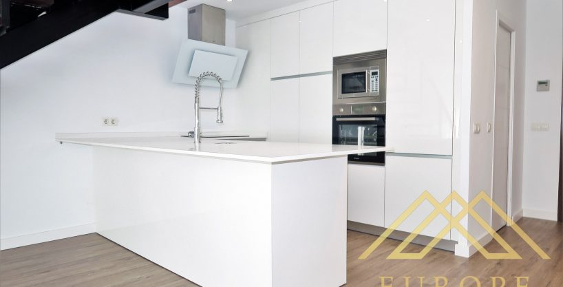 110m² Loft for Rent in San Sebastian de Los Reyes, Madrid
